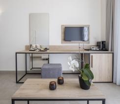Executive Loft Suites - Smart Television