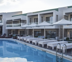 PAloe Suites - common swimming pool