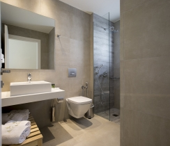 Superior Suites - bathroom