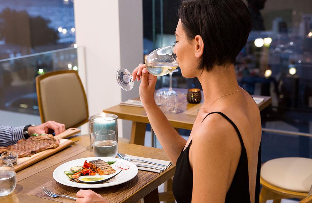 Aloe - Wine in Restaurant
