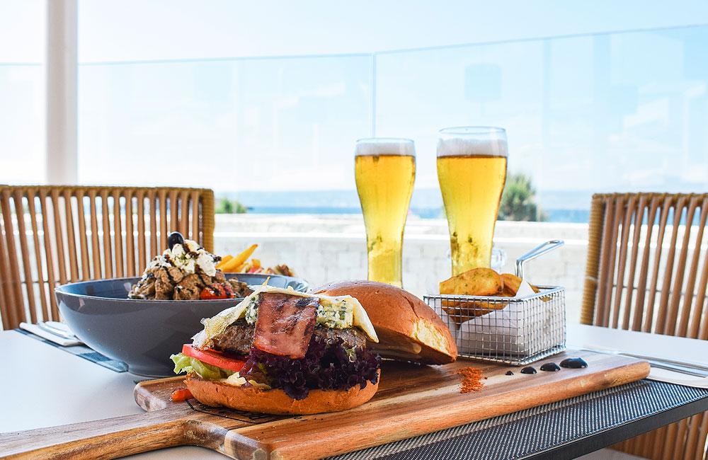 Aloe - burger - beer - salad - potatoes